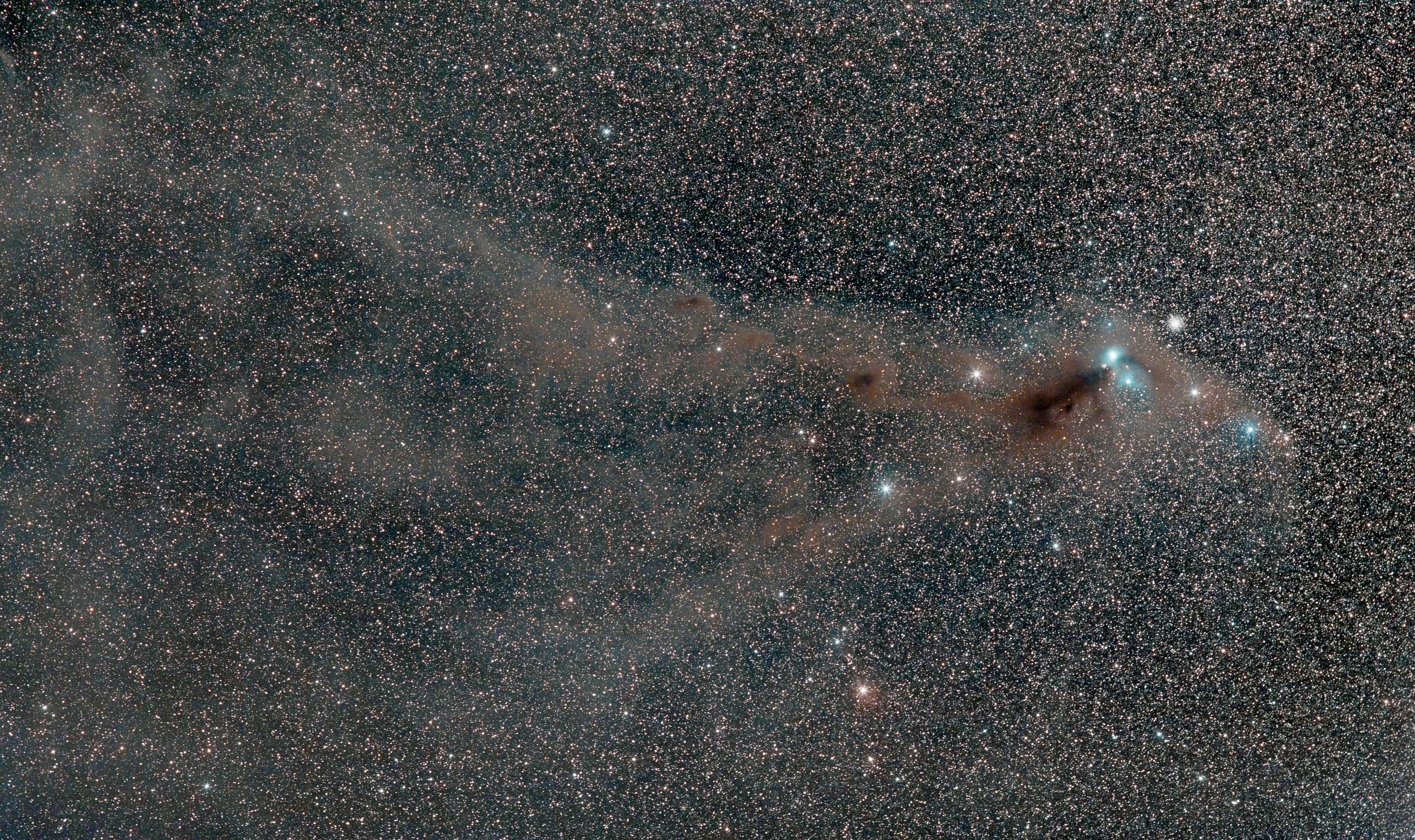 Astrophotography. Sternentstehungsgebiet in der südlichen Krone. Reflexionsnebel. NGC 6726 und IC 4812