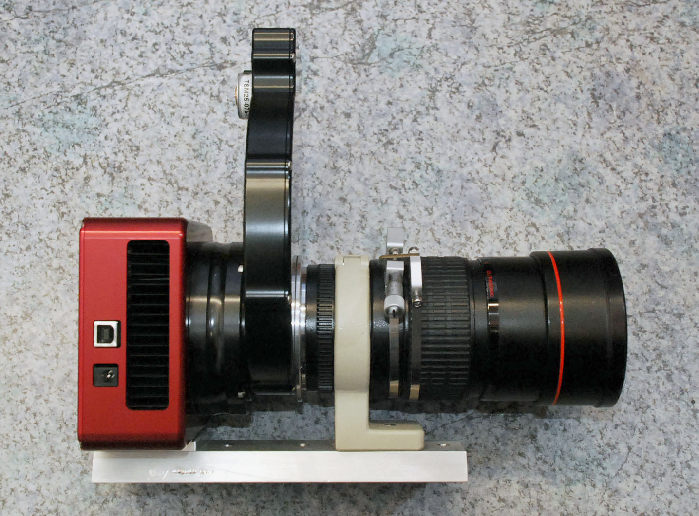 Atik 383 mit EFW-2 und Canon EF 200 mm L